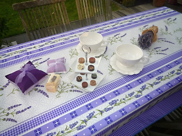 Tischdecke 150x200 cm lila grau Lavendelmotive aus Frankreich Provence bügelfrei