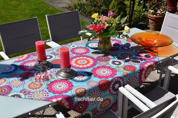 Ganz neue Töne! – Raffinierte Baumwoll-Tischdecke Linnea in Türkis, Pink und mehr
