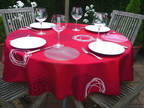 Roter wird's nicht! – Knallig rote Tischdecke