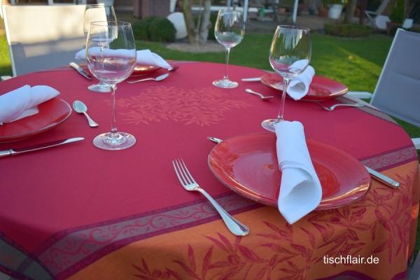 Red Hot Chili! – Jacquard-Tischdecke Menton in Rouge, Orange und Taupe