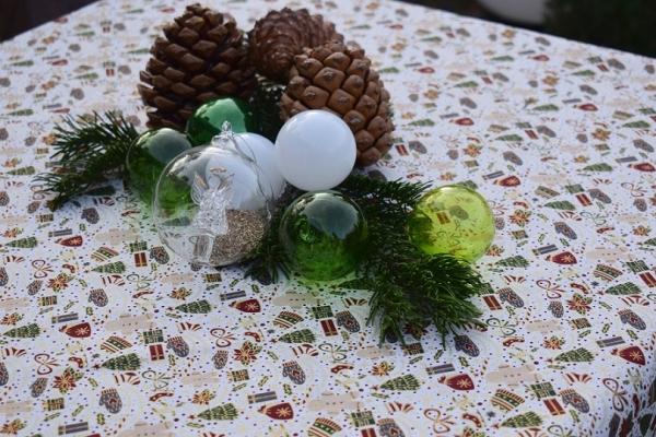 Freuen wir uns auf Weihnachten... - bezaubernde Mitteldecke Yule in weiß