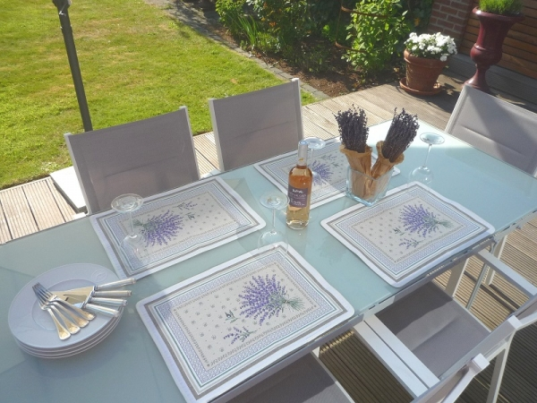 Lavendel – ein sonniger Klassiker! – Jacquard Tischset Grimaud creme 4