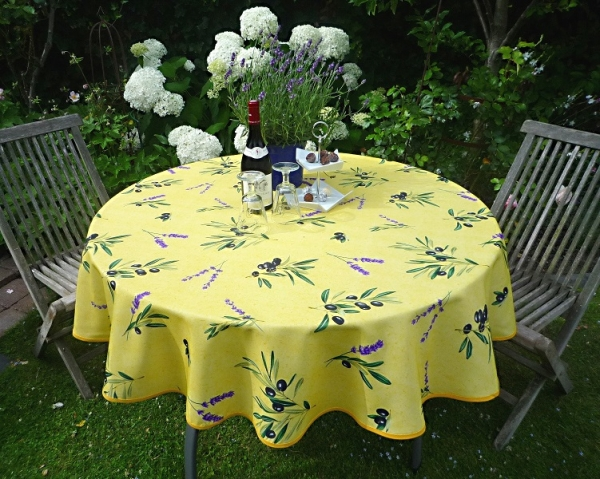 Hello Sunshine! – Oliven-Tischdecke in strahlendem Gelb