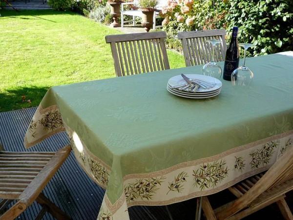Lust auf Grün! – Matelassé-Tischdecke Olives provencal Lindgrün-vert