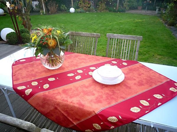 Tischdecke 120x120 cm rund rot Rankenmotiv aus Frankreich Provence bügelfrei