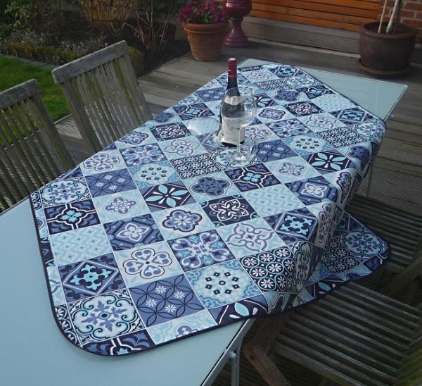 Tischdecke 100x150 cm blau weiß Fliesenmotive aus Frankreich Provence bügelfrei