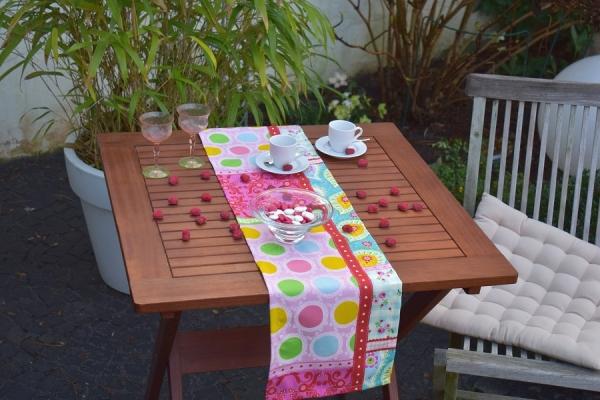 Frischer Tischläufer Julie in Rosé, Pink, Grün, Gelb und Blau