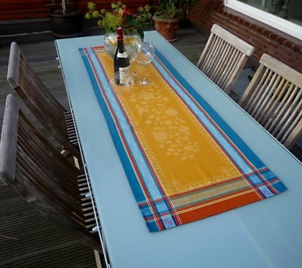 Warme Farben – wohliges Gefühl... – Sonniger Jacquard-Tischläufer Lagrange curry