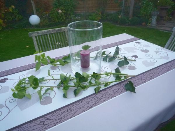 Fein gemacht für das Dinner! – Bügelfreie Tischdecke mit charmantem Blätterreigen