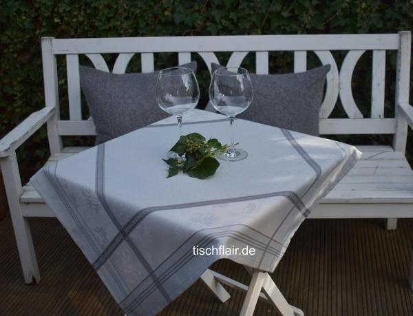 Kombi in Grau! – Feine Tischdecke Chambord in Grau