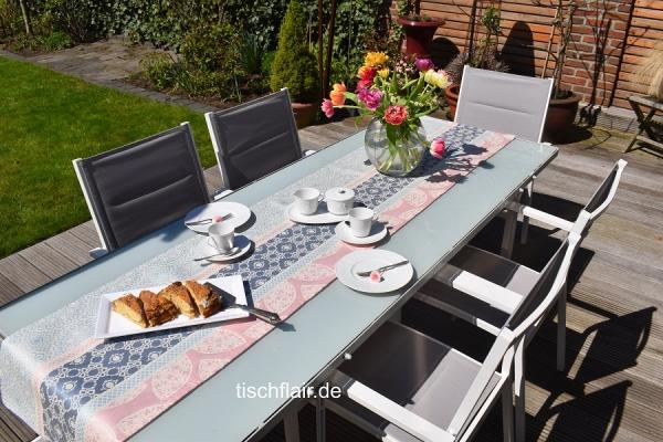 Bleu mit Rosé – zurück zu Pastell! – Gobelin-Tischläufer Nantilly bleu