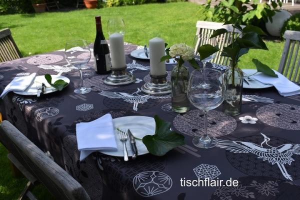 Schokobraun, Mocca und Taupe – im Trend! – Fleckabweisende Tischdecke mit Ornamenten