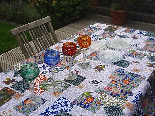 Formenspiel - Lebendige Tischdecke blau weiß grau 5