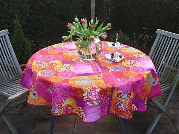 Colour-Knaller: Pflegeleichte Tischdecke pink