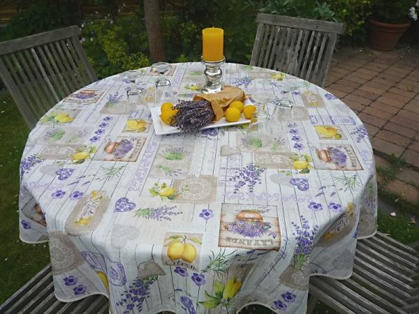 Zitronen und Lavendel – eine helle Freude! – Bügelfreie Tischdecke