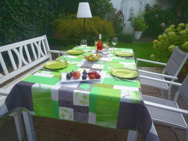 Apfelgrün! – Pflegeleichte Tischdecke in Knall-Grün und Grautönen