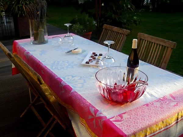Individualisten aufgepasst...- Jacquard-Tischdecke Marville blau und pink