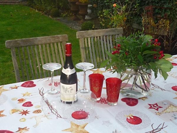 Tischdecke Provence 150x200 cm creme rot Weihnachten aus Frankreich bügelfrei