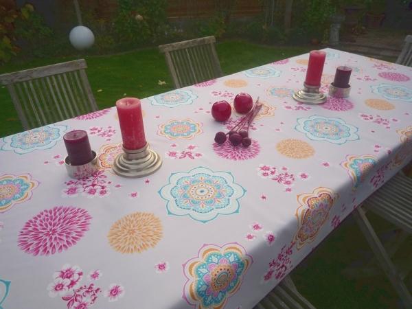 Energiegeladen - Muster gegen Langeweile! – Pflegeleichte Tischdecke mit Powerfarben
