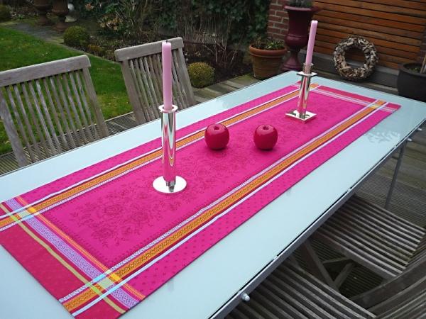 Pretty in Pink... - Flippiger Jacquard-Tischläufer Féreol pink