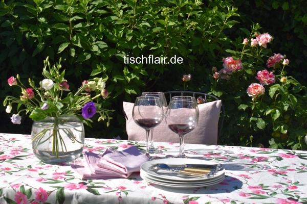 Blüten-Traum bei Tisch! – Pflegeleichte weiße Tischdecke mit charmanten roséfarbenen Blüten