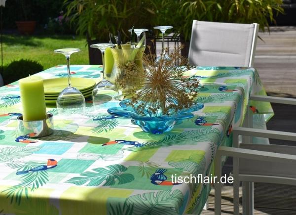 Tropen-Flair! – Fleckabweisende Tischdecke in hellgrün mit Turkanen