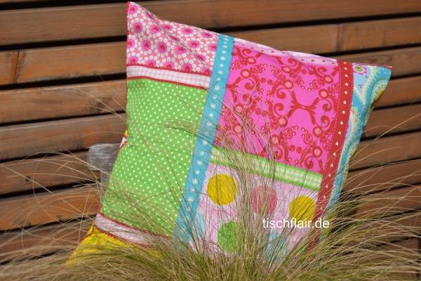 Der Frühling trägt nicht nur Rosa! – Kissenhülle Julie in Rosé, Pink, Grün, Gelb und Blau