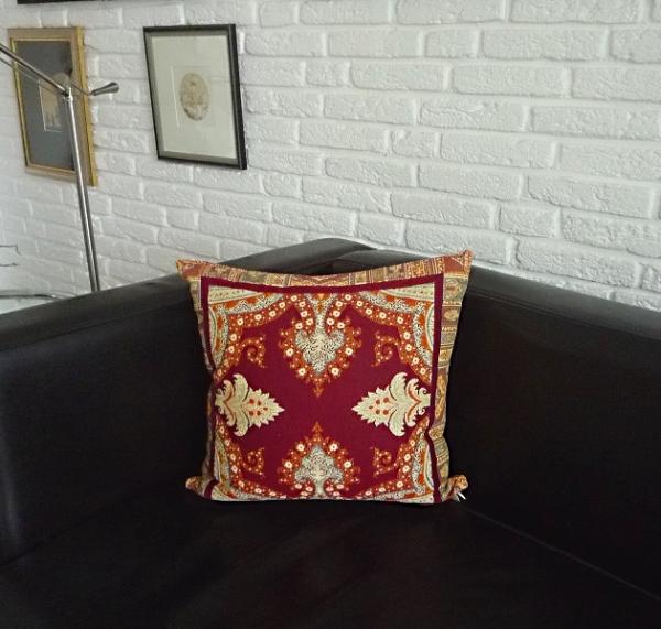 Verliebt in Paisley-Muster... – Edle Gobelin-Kissenhülle Yves in Terra und Bordeaux-Rot 4