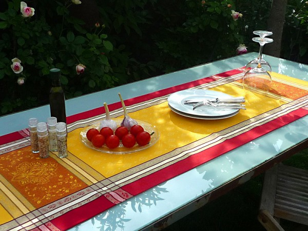 Tischläufer Jacquard Baumwolle gelb rot 50x150 cm Mercier jaune rouge aus Frankreich Provence mit Teflonschutz