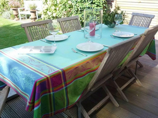 Tischdecke mit hochwertiger Jacquard-Webart Fayence türkis
