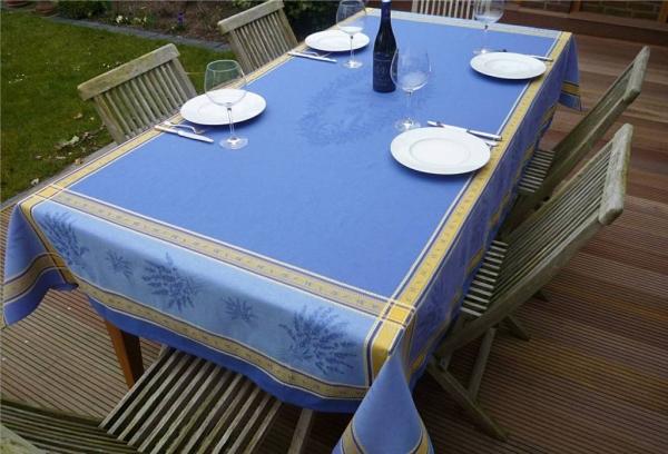 Blau oder Bleu...- Tischdecke Valence in Jacquard-Webart mit Lavendel