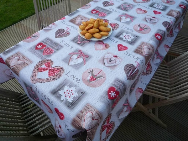 Home Sweet Home... - Zartgraue Tischdecke im Country-Style