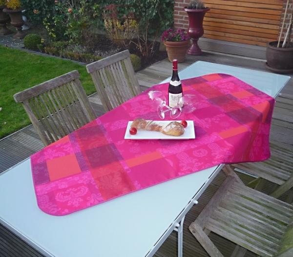 Lust auf Leuchtend? – Strahlende pflegeleichte Tischdecke in Pink, Lila und Orange