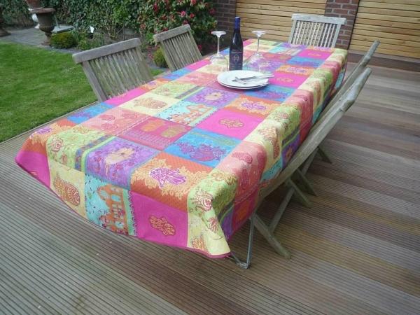 FARBE MARSCH! – buntgemixte Tischdecke in Pink, Grün, Orange, Blau, Türkis, Gelb