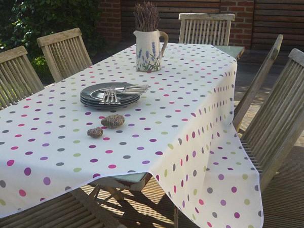 Bunte Tupfer! – Weiße Tischdecke mit bunten Punkten