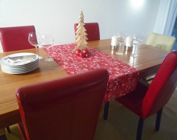 """Weihnachtszauber! – Roter Tischläufer """"Hiver rouge"""""""