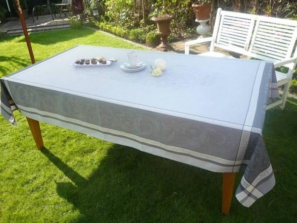 Mein Stil! – Feine Jacquard-Tischdecke Granier gris-grau