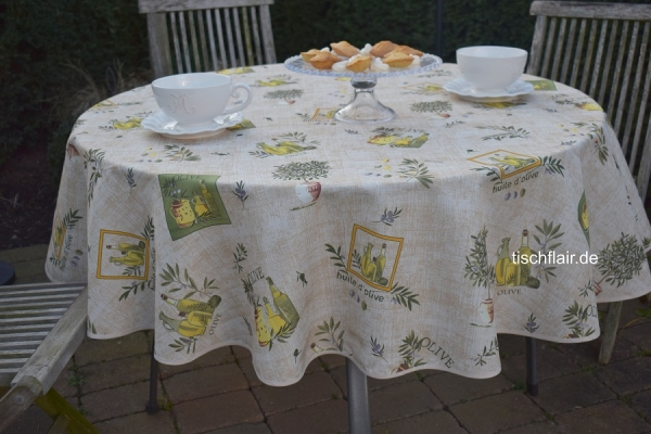 Olivenfein! – Sommerliche Tischdecke mit Oliven