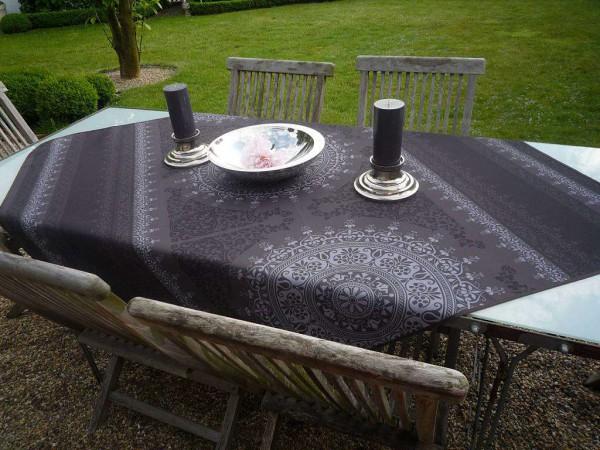 Tischdecke 100x150 cm dunkelgrau Ornamentmotiv aus Frankreich Provence bügelfrei