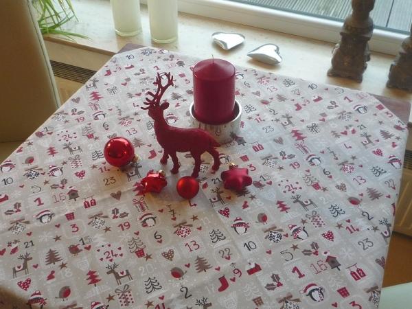 """Fröhliche Weihnachten überall... - Beigefarbene Mitteldecke """"Hiver lin"""""""