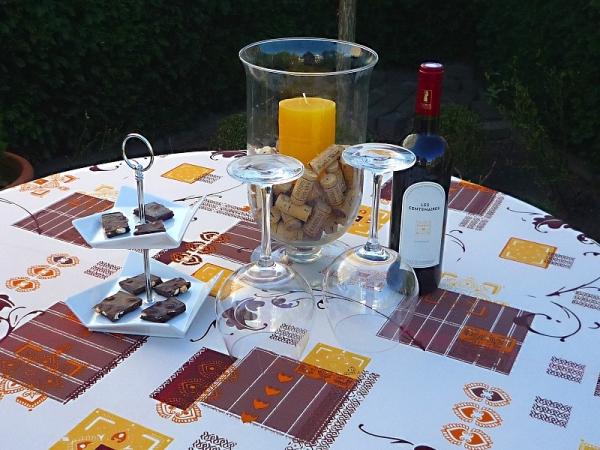 Tischdecke Provence 160 cm rund creme und braun mit Ornamentmotiv aus Frankreich