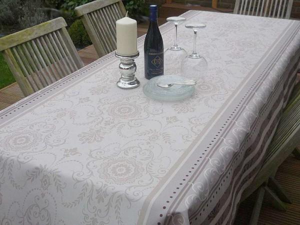 Stilvolle Tafelfreuden - Tischdecke in creme mit geschwungenen Ornamenten 6
