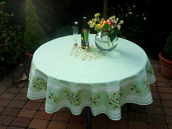 Erfrischendes Lindgrün! – Edle Baumwoll-Tischdecke Charentes in herrlichem Grün